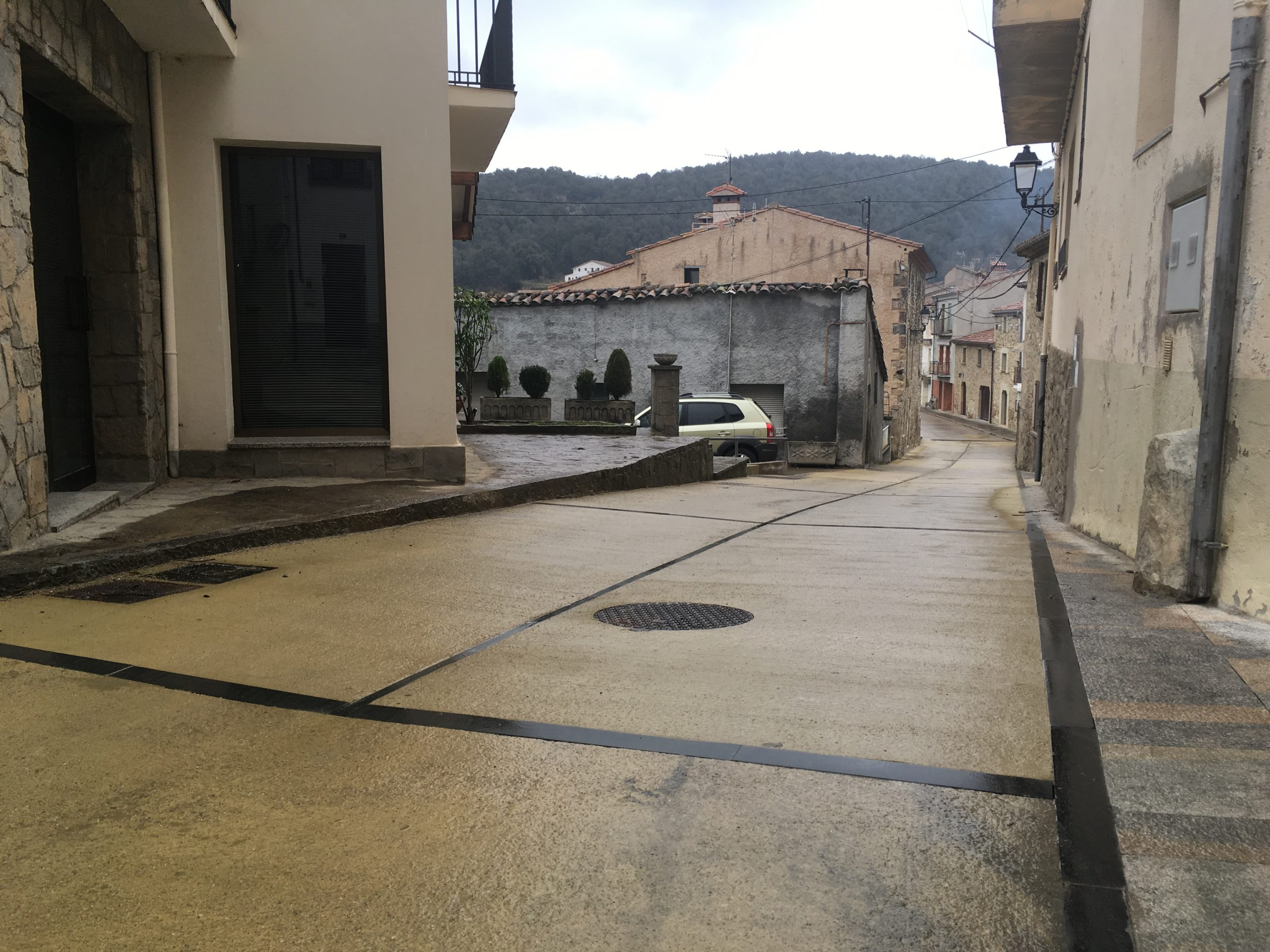 La Vall d'en Bas vol ordenar i millorar la mobilitat del municipi