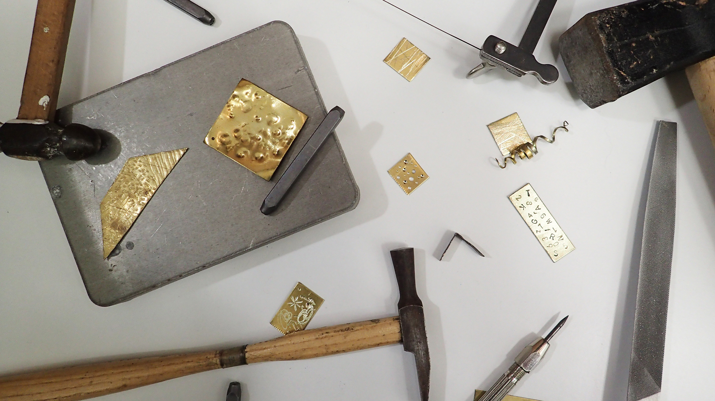 Fil a l'agulla als tallers artesanals al Museu dels Sants d'Olot
